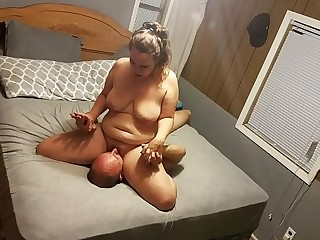 Fat girl trembles and shakes as she soaks my bed - Horny Nicky