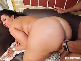 Sexy BBW Diana Nicole Gets Her Huge Ass Fucked