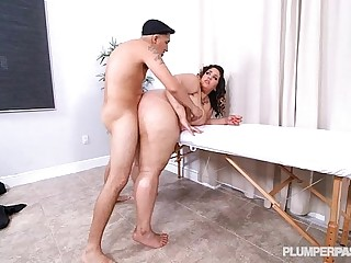 Sexy Black Teen BBW Chevy Cobain Fucks First Time