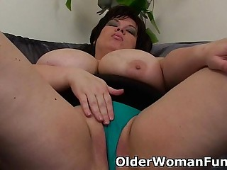BBW mom having solo sex with a dildo
