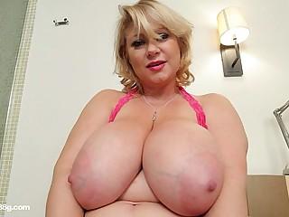 Busty BBW MILF Samantha 38G Drills Her Pussy With Dildo