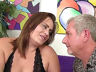 Plump hottie takes a shlong in her throat and twat