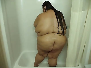 Cute ssbbw in the shower
