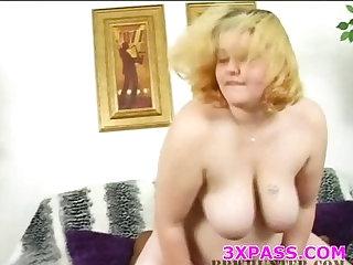 Nice blowjob from fattie