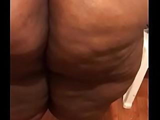 Ssbbw big ass bounce and dance